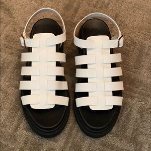 NWOT White Fisherman Sandals 9